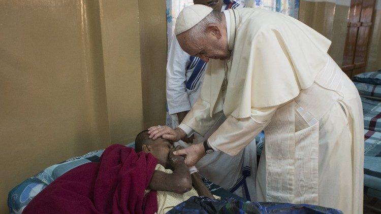 papa visita malati